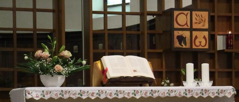 Dalla chiesa verso il coro monastico