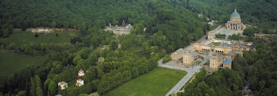 Oropa-Santuario-dallalto-il-complesso-e-Patrimonio-Unesco-960x333